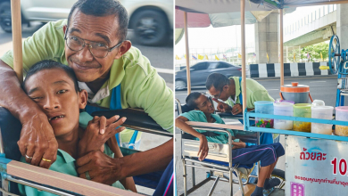 Photo of Man Travels 6KM Daily To Sell 10฿ Shaved Ice In Bangkok For His Son's Medical Bills