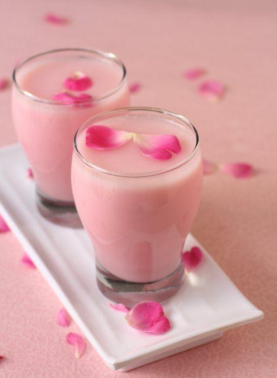 thai rose milk tea